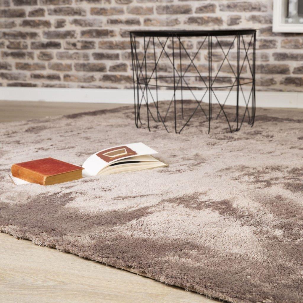 Poznaj zalety dywanów Shaggy