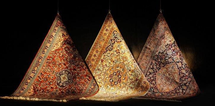 Dywan orientalny we wnętrzu klasycznym